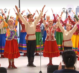 Юные артисты Детского центра народного искусства готовятся к новому сезону и ждут новых друзей