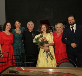 В Концертном зале им.М.В.Лаврова прошел творческий вечер Натальи Поповой