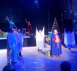 «И даже ангелы могут плакать от радости». На сцене Уральского центра народного искусства прошел музыкальный инклюзивный спектакль